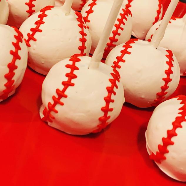 BaseballCakepops.jpg
