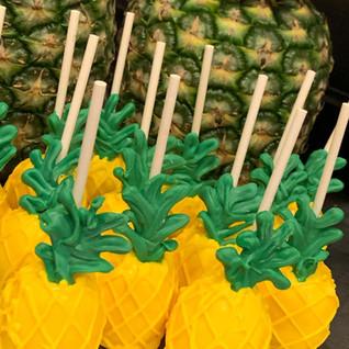 PineappleCakepops.jpg