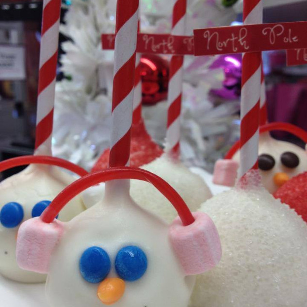 SnowmanCakepops.jpg