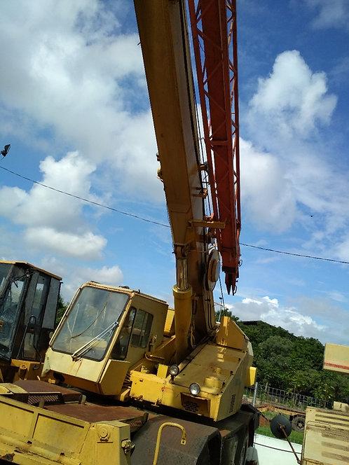 Used Rough Terrain Crane Merk TADANO Model TR-250M/4 Kapasitas 25 Ton