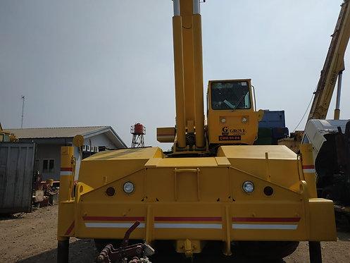 Used Rough Terrain Crane GROVE Model RT750E Kapasitas 50 Ton