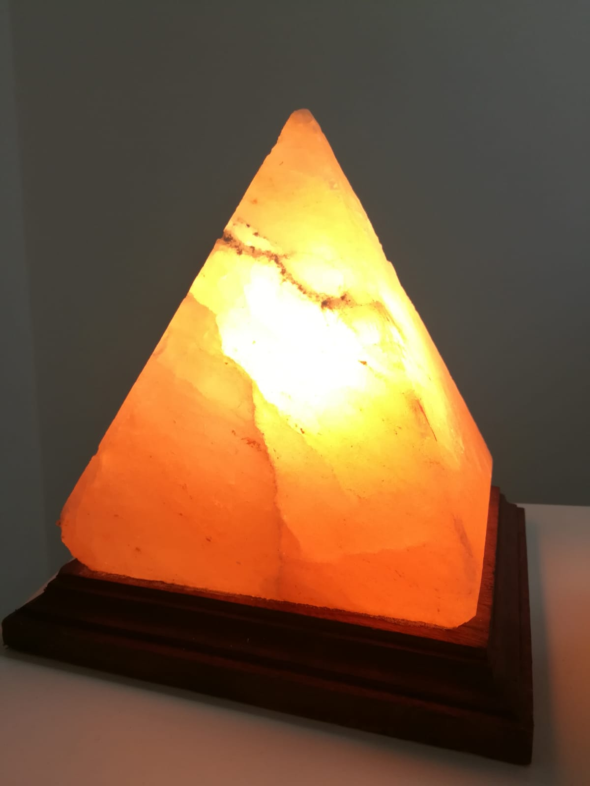 lampada di sale - forma piramide