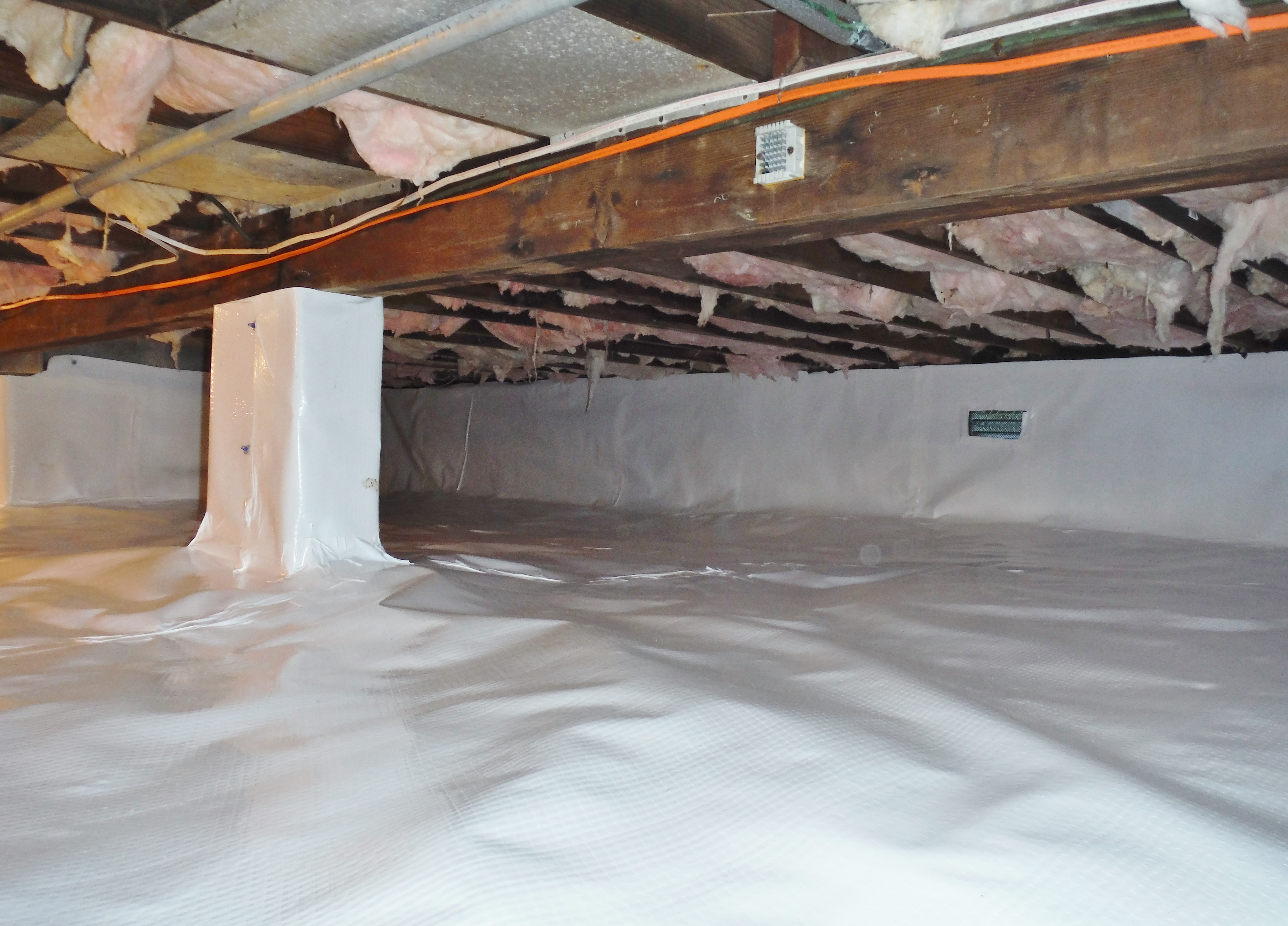 Crawlspace Encapsulation (8).JPG