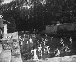La piscine fondée par l'abbé Demeuré