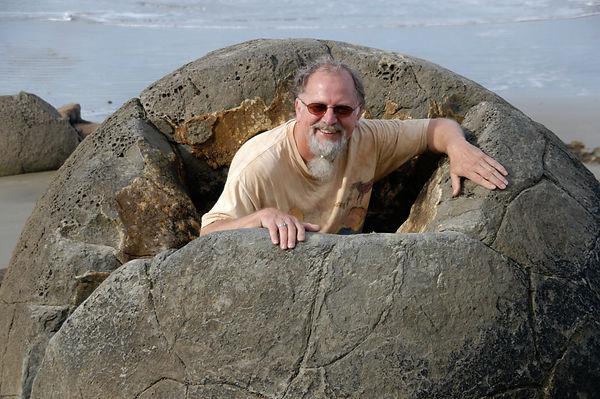 Moeraki boulders.JPG.jpg