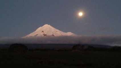 Moon over Taranaki.jpg