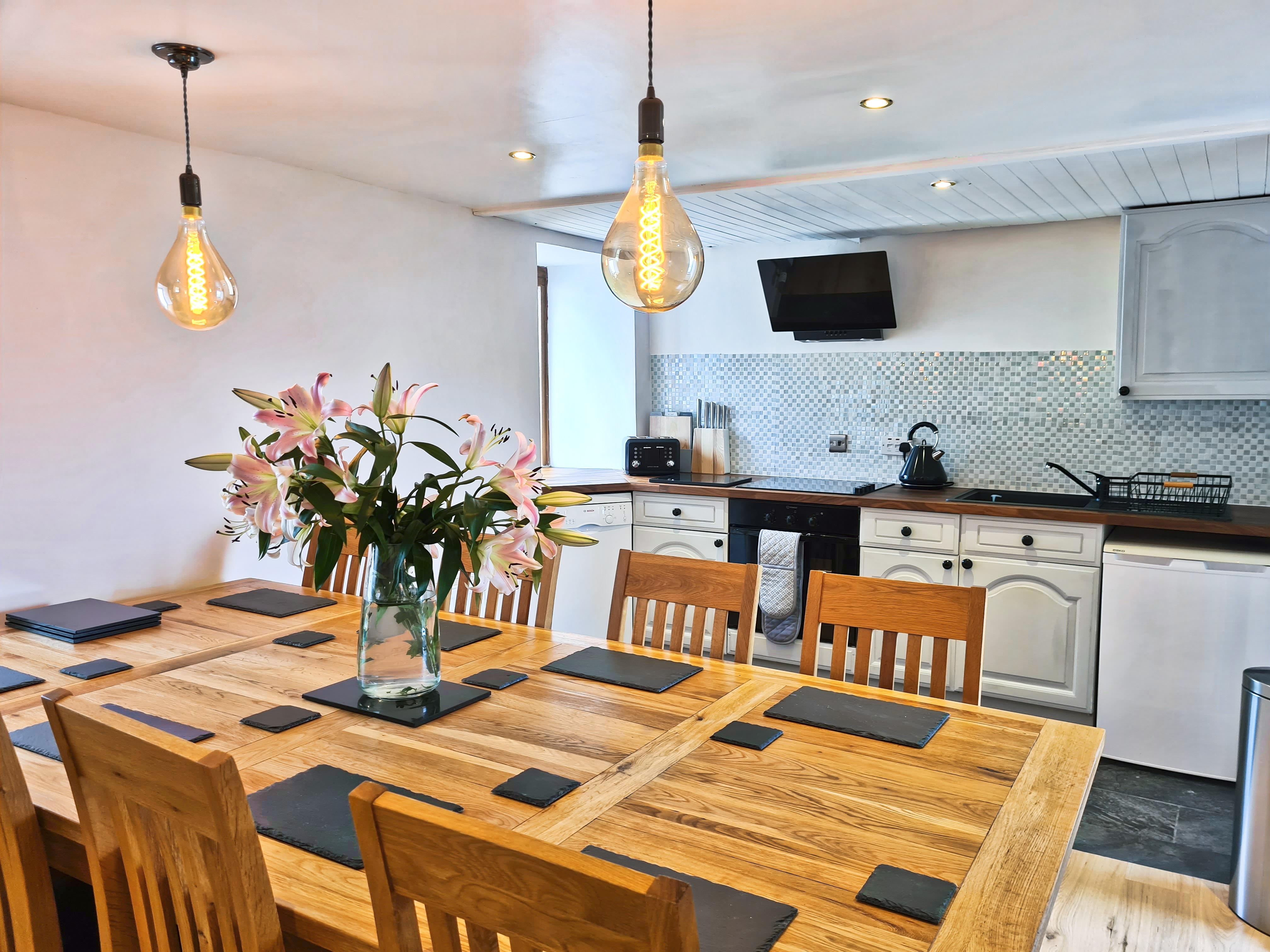 Luib House Isle of Skye Self Catering, decor, Dining area