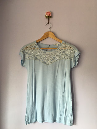 T-SHIRT WITH LACE CHEST