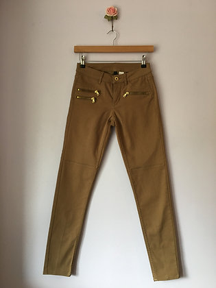 SKINNY ANKLE JEANS WITH ZIPS