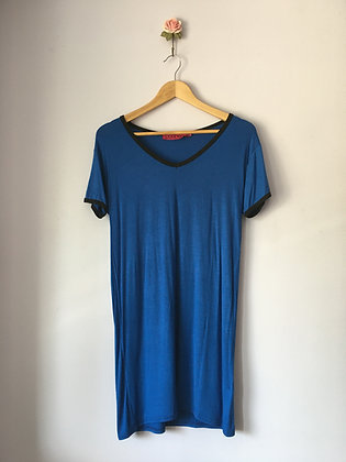 LONG V-NECK T-SHIRT DRESS