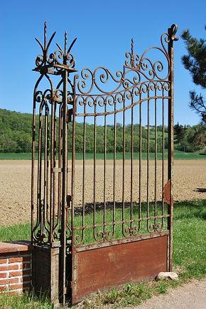 chateau de Malportel - portail.jpg