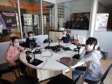 Des élèves appaméens à la radio, grâce au Bibliopôle