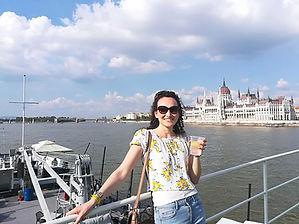 Floriane au Parlement de Budapest.jpg