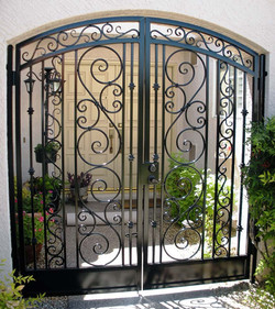 arched-decorative-double-courtyard-entry-gate