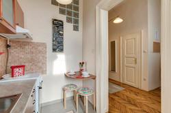 Kitchen and entrée