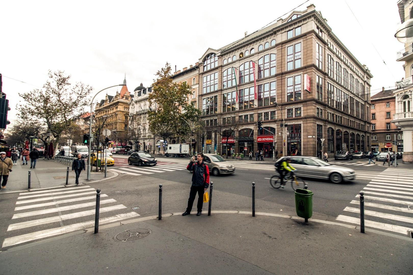 Szondi street and the Ring