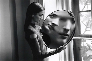 Duane MICHALS Who are you.png
