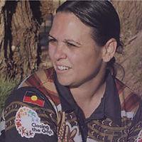 Profile pic_Joleen.jpg