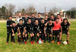 Fútbol Mayores | Banco da pelea y se prende en los primeros puestos