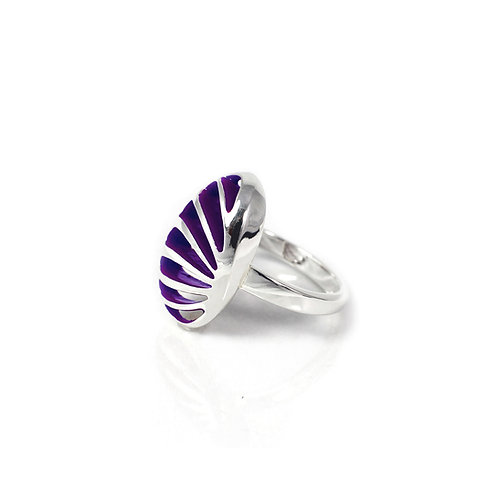 Entropic Portrait Oval Ring, Purple