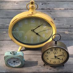 Working Vintage Style Clocks
