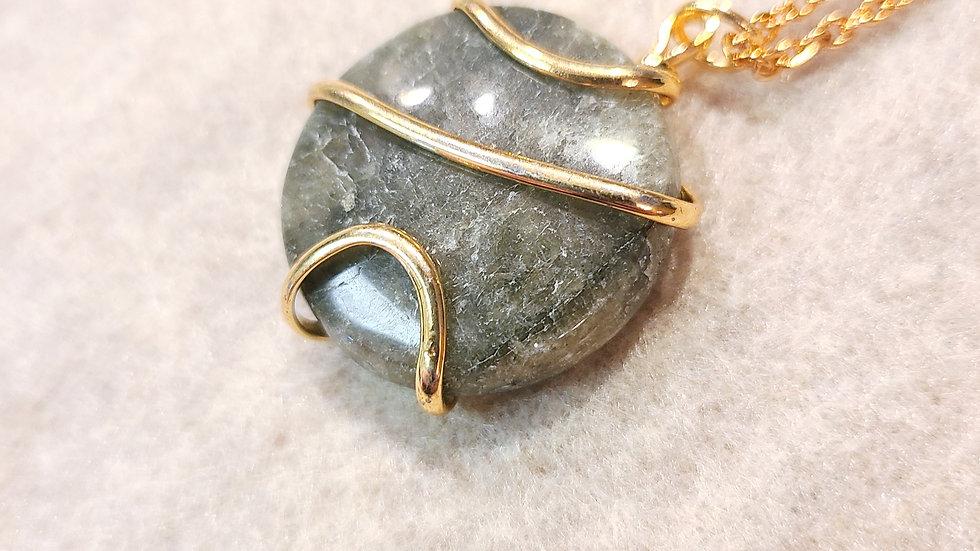 Labradorite Round Spiral Wired Necklace Gold Tone