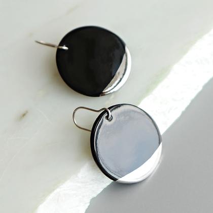 Round black porcelain earrings