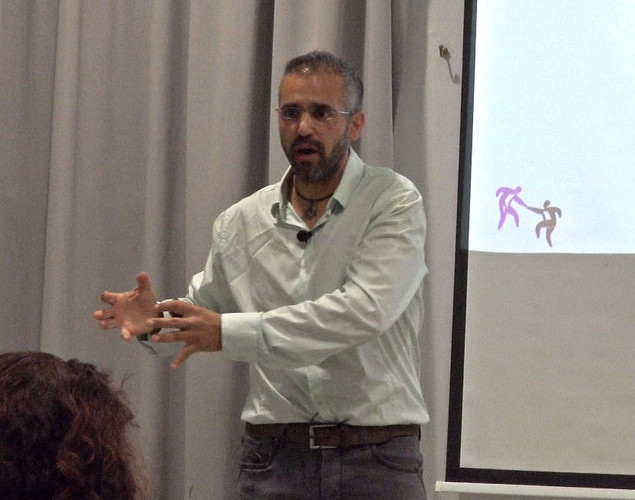 ofer lecture_02.JPG