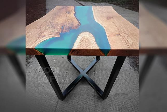 Эпоксидный стол из массива дуба