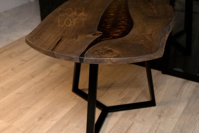 Стол для кухни необычной формы