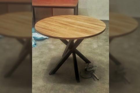 Круглый стол 900 мм