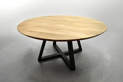 Круглый обеденный стол из массива