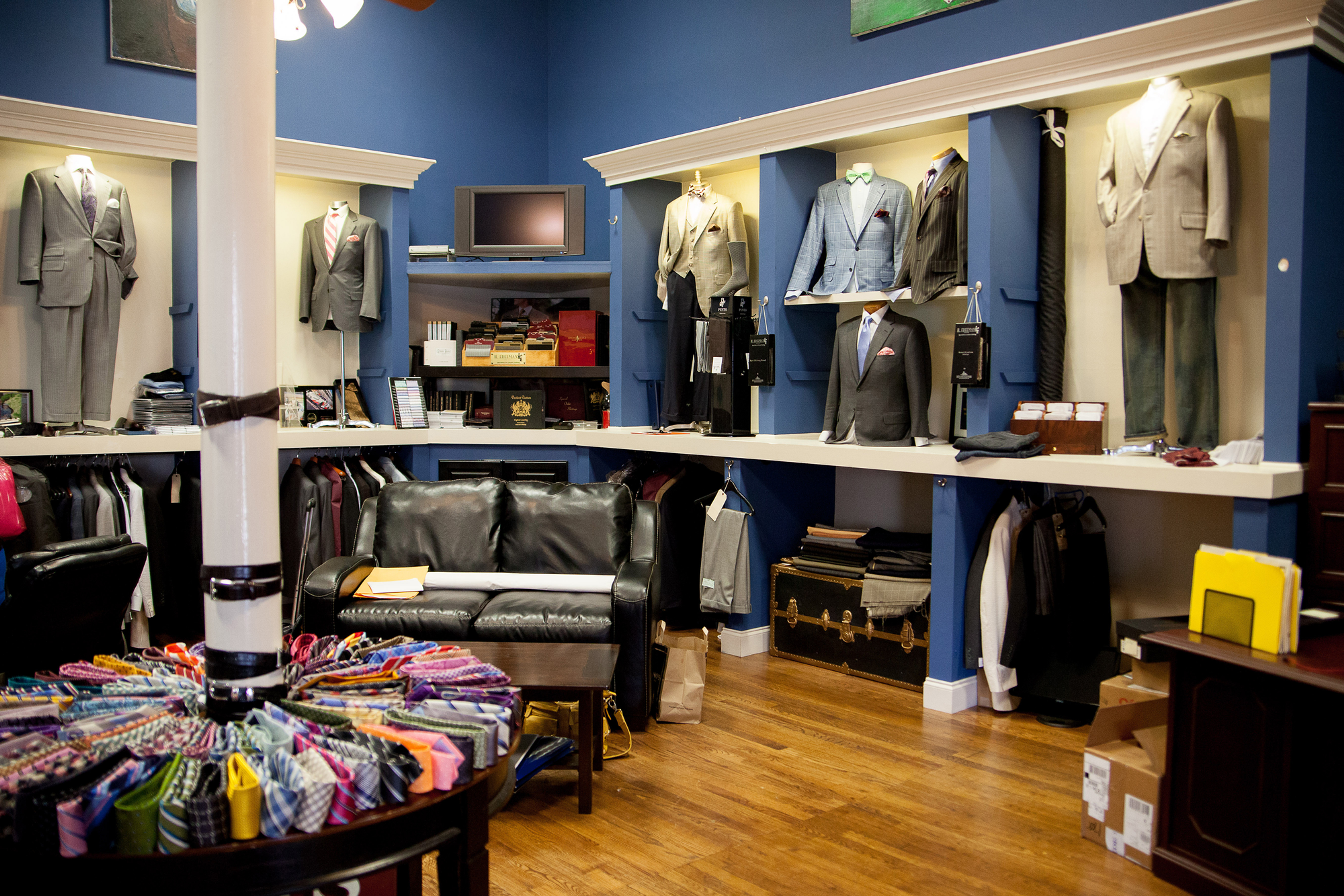 Cahaly's Custom Clothing - Anderson