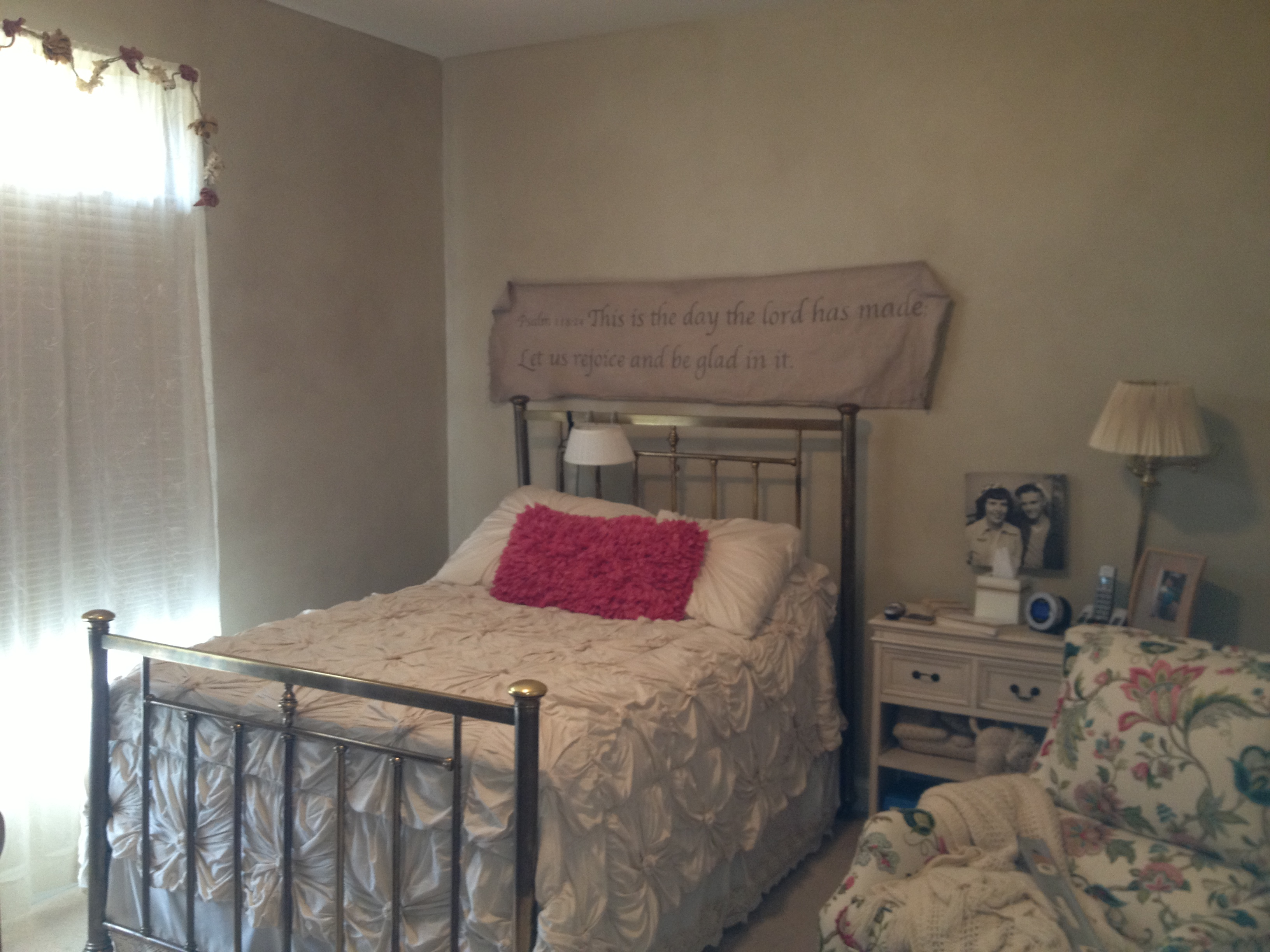 Tea Stain Walls w/ Custom Scroll