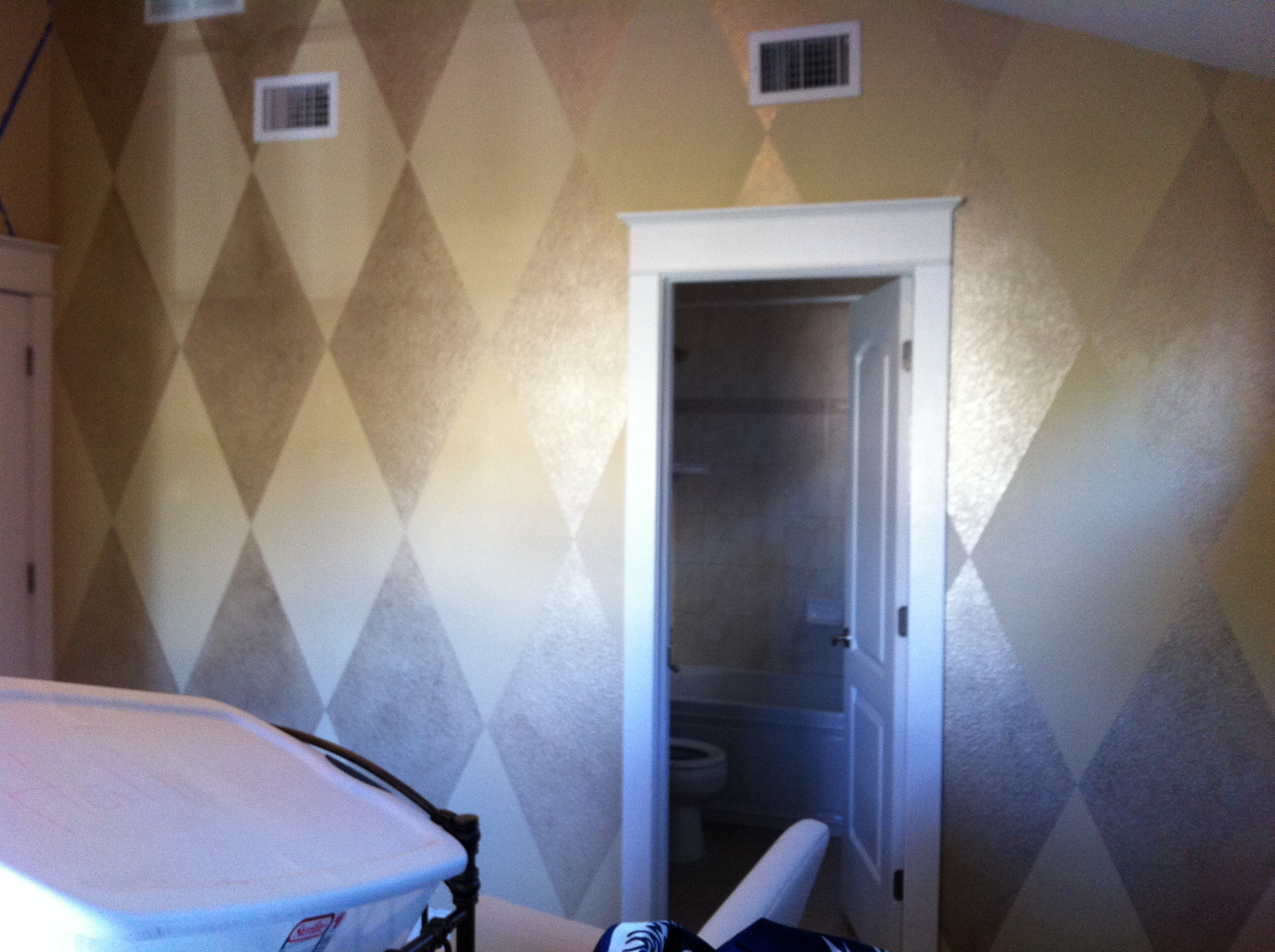 Metallic Harlequin Diamond Nursery