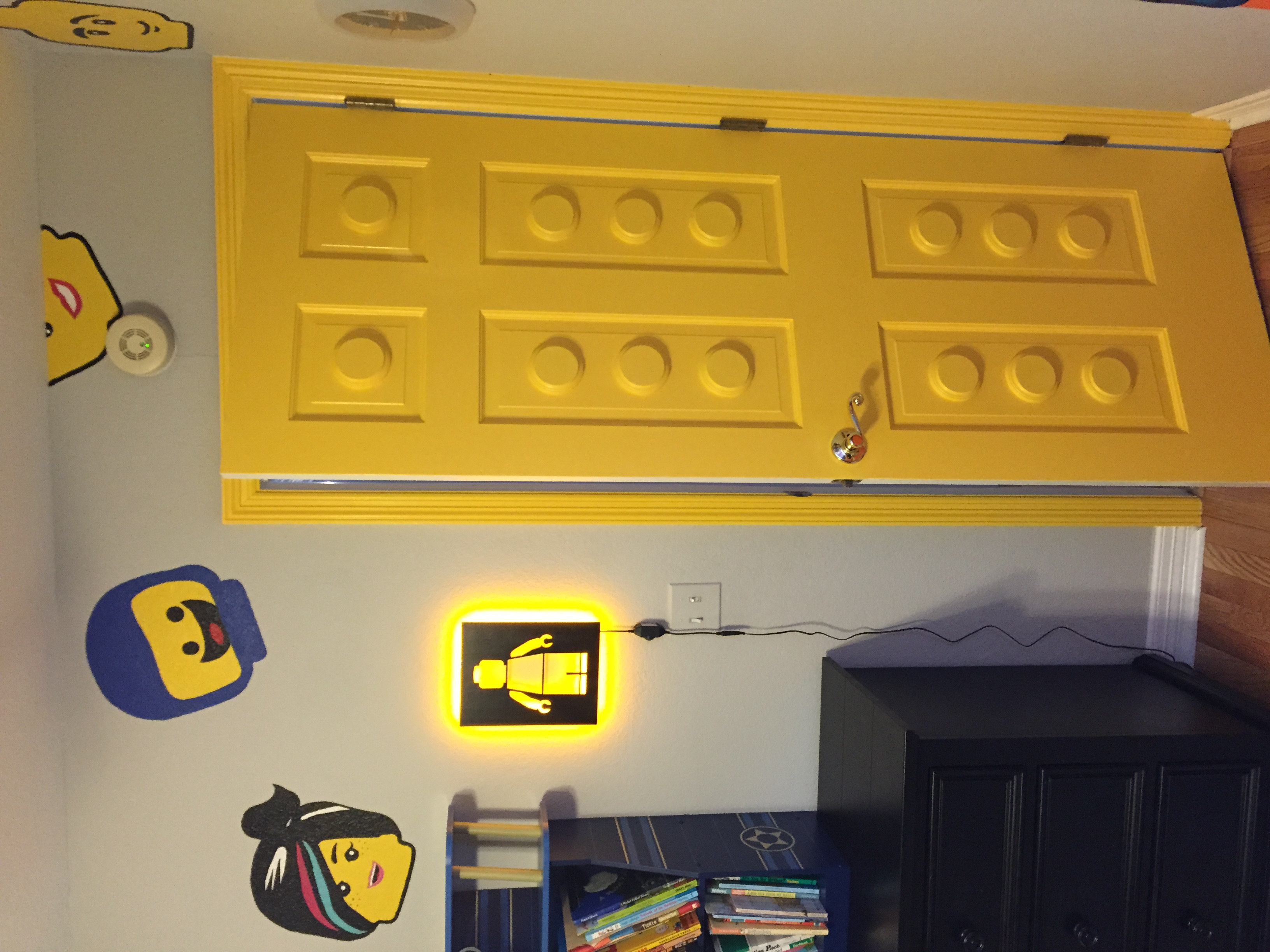 Painted Lego door?! oh yeah.