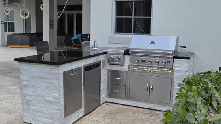 White Quartzite Kitchen