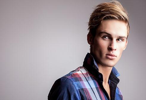 mann-blond-farben