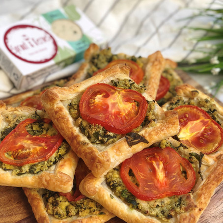 cheese & tomato puff pastry squares