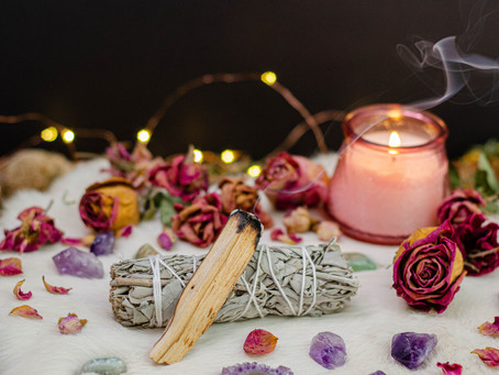 Ways to connect with your Tarot Deck