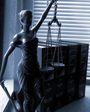 lady-justice-2388500.jpg