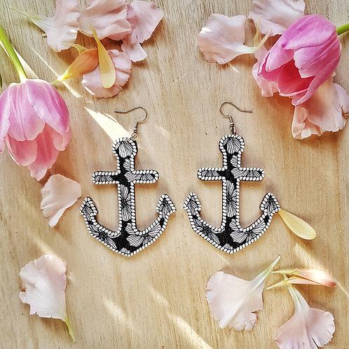 NEVER TOO LAKE  Anchor, blooming earrings