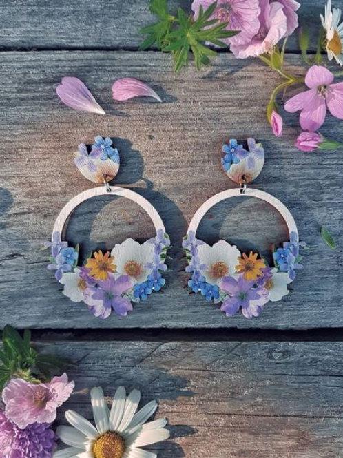 NEVER TOO LAKE Seven flowers earrings