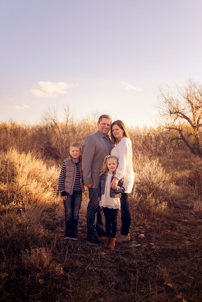 Family Photographer in Medicine Hat