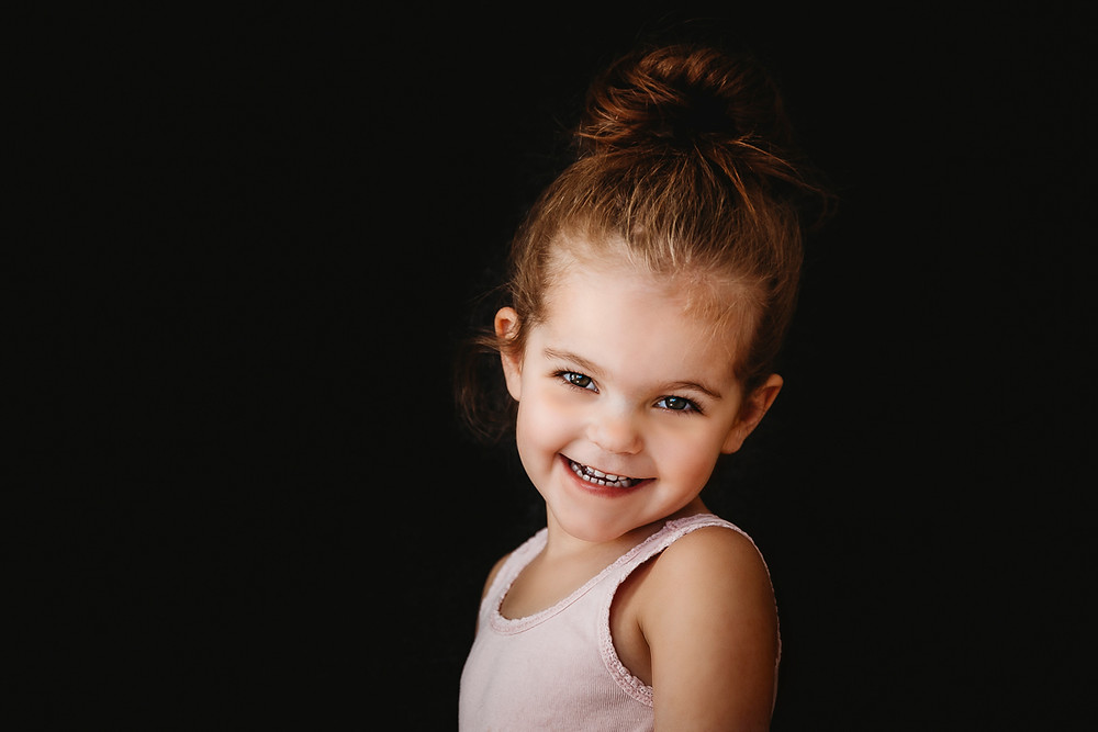 children's portrait photographer in Medicine Hat