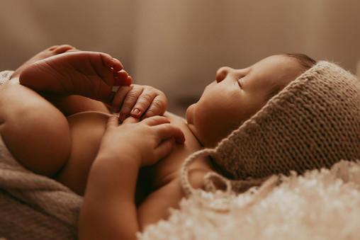 Newborn Photographer in Lethbridge