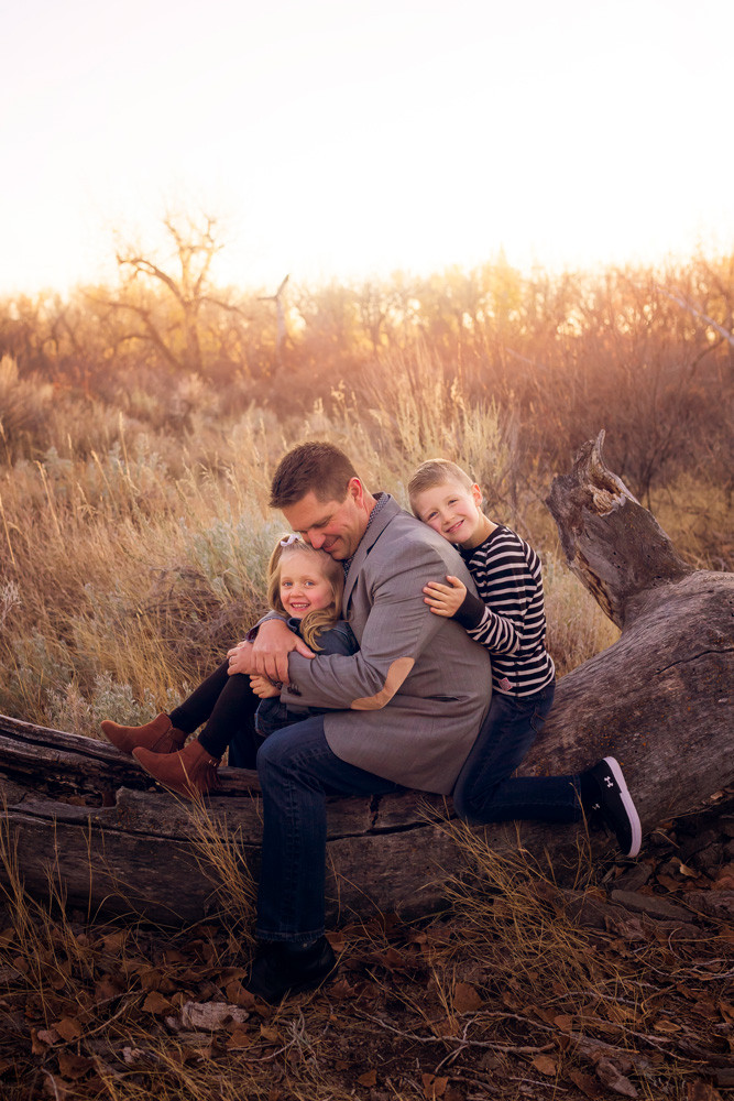 Daddy and Me photo sessions in Medicine Hat