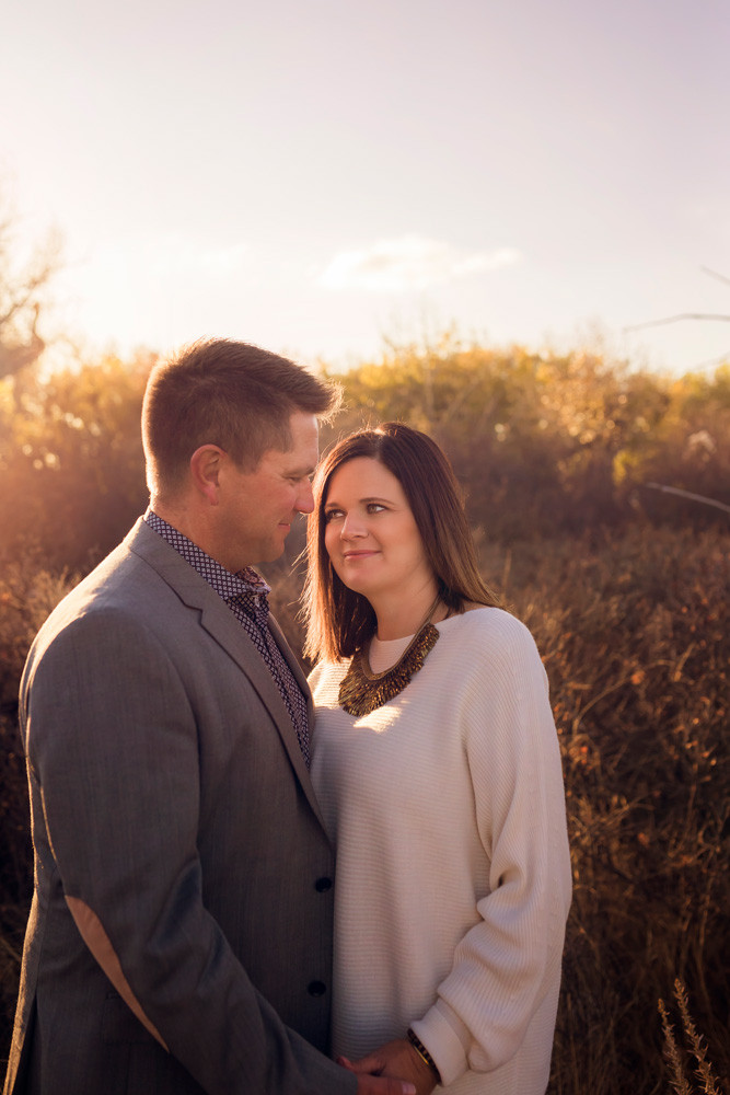 Couples photographer in Medicine Hat