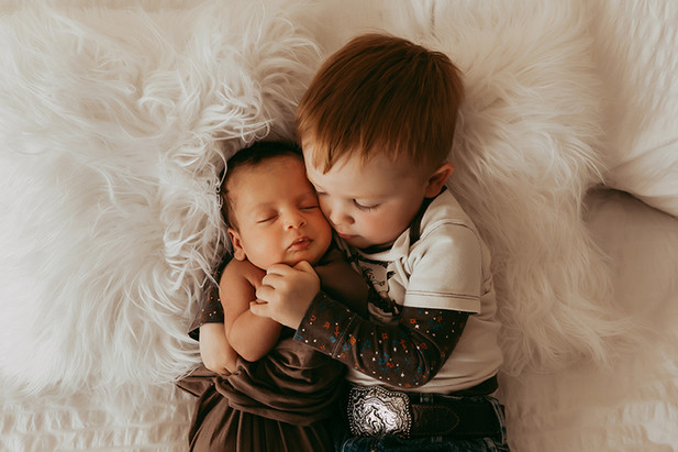 Newborn photographer Lethbridge