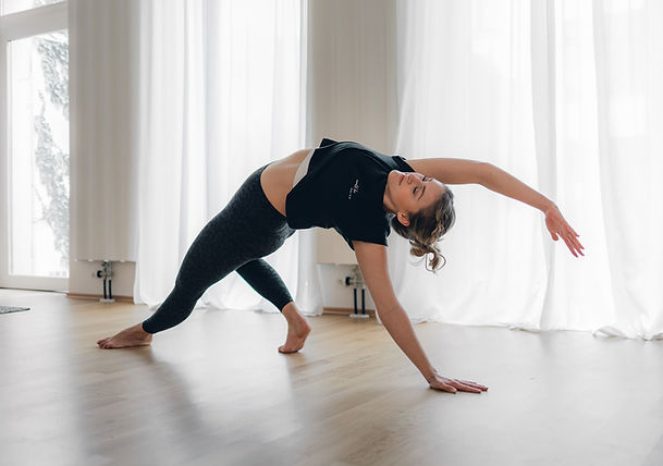 KLY-Yoga-3627.jpg